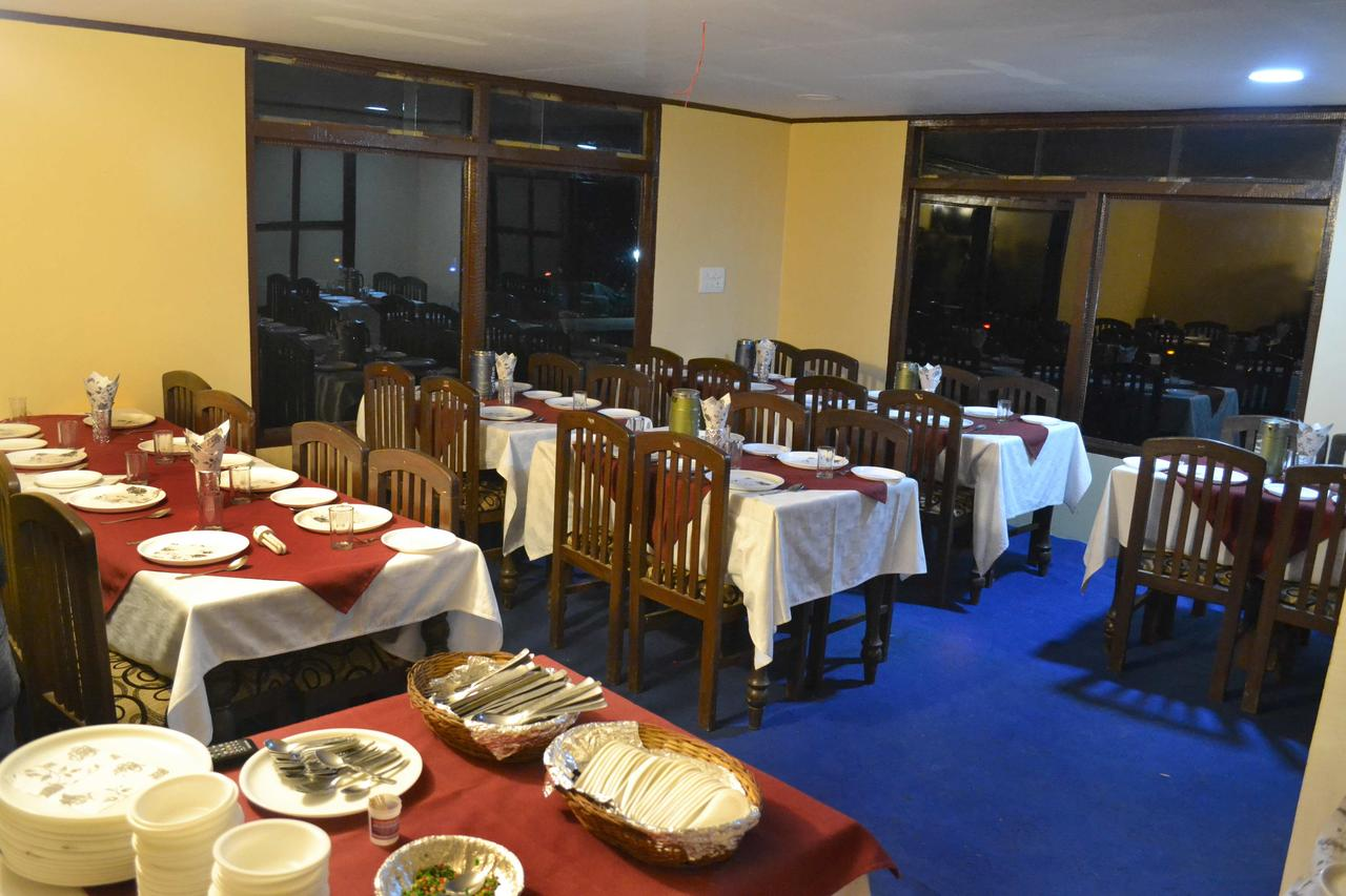 Golf View Resort Pahalgam Restaurant