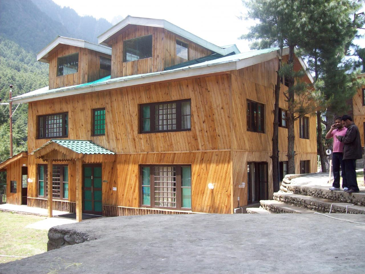 Pine Cliff Resort Pahalgam