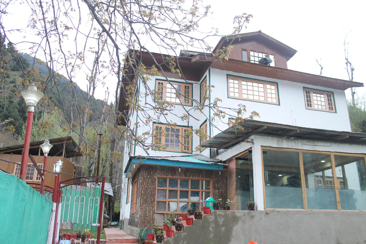 Royal Foot Hill Hotel Pahalgam
